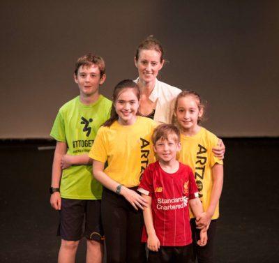 Vida en familia nativa - Sport and English